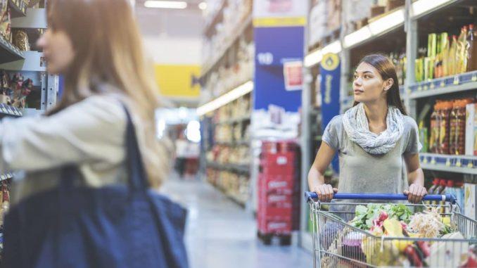 Einkaufsverhalten verändert sich - volle Einkaufskörbe